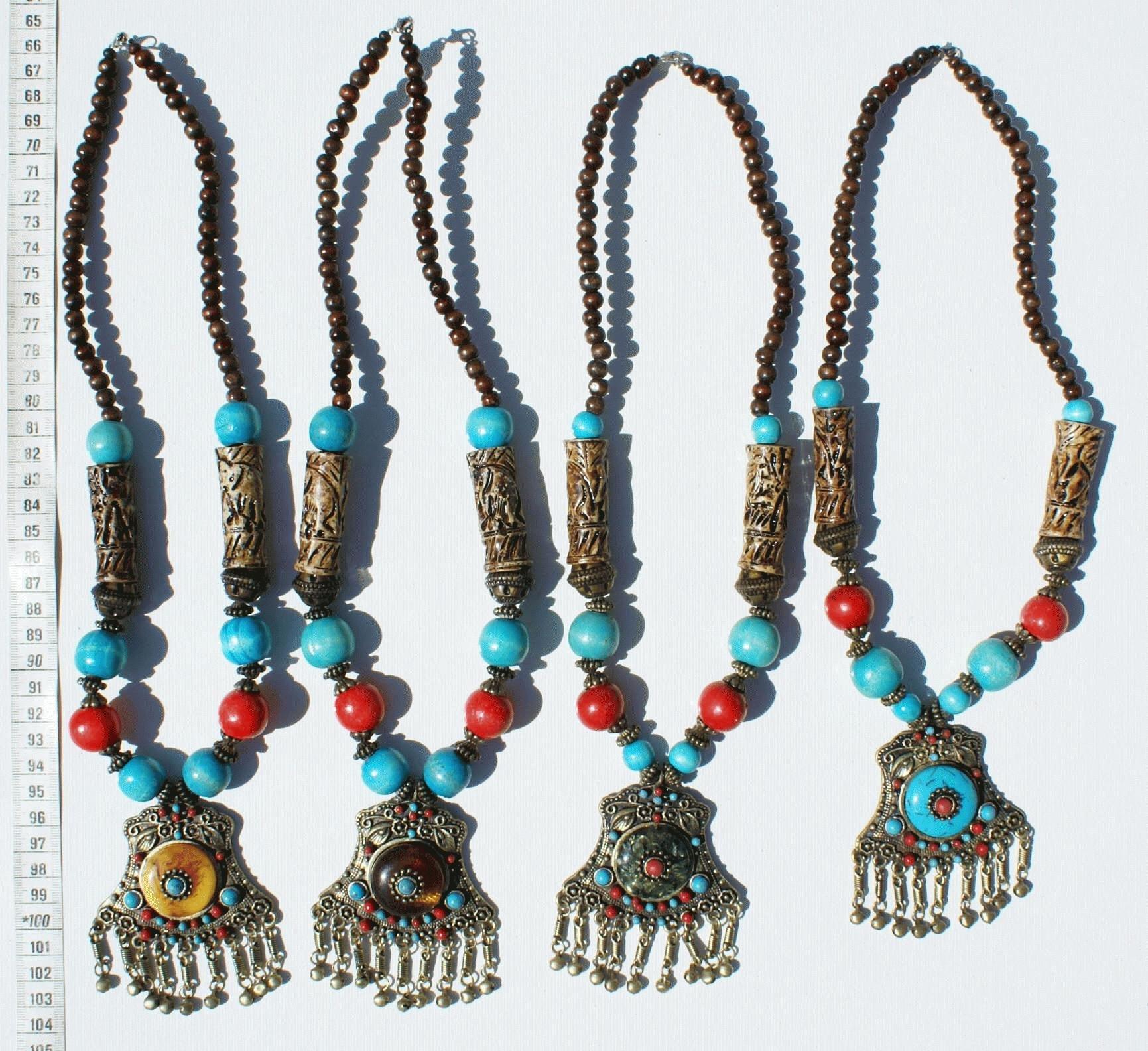 2b477bc62 Mnoho 4 náhrdelníky kovové asijské, orientální šperky, výrobky z tibetu  velkoobchodní umění